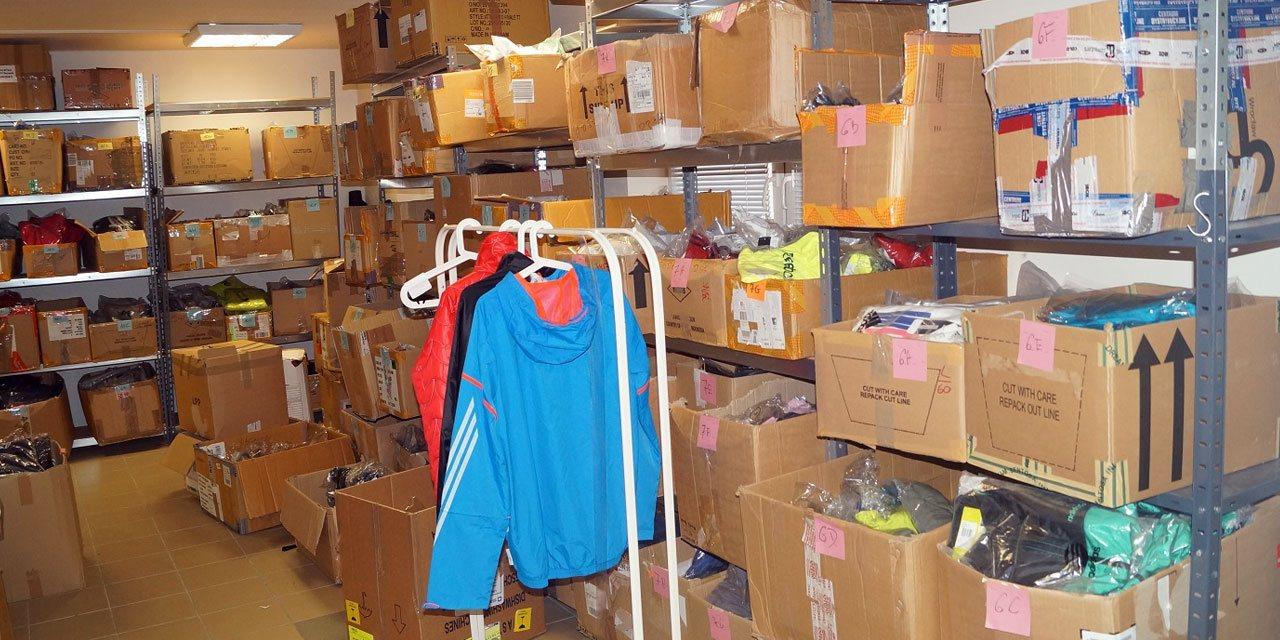 nike adidas reebok wholesale clothing